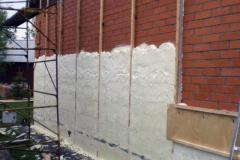 namo-sienu-siltinimas-is-lauko-termovata-poliuretano-putomis