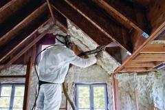 namo-stogo-siltinimas-poliuretano-putomis-termovata